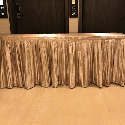 居家家飾設計 會議桌巾系列 特價-全罩式百摺四面圍桌罩(高亮緞)-適用於固定桌子使用-含上蓋桌巾一起車縫