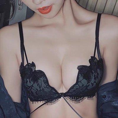 新款整套內衣 前扣文胸內衣女小胸聚攏無鋼圈黑色胸罩性感蕾絲調整型bra 爆乳内衣(整套組)