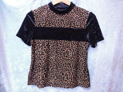 PECULIAR~天鵝絨豹紋設計立領短袖上衣~SIZE:F~99元起標