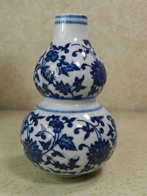 【晶吉利】75☆高級青花瓷(纏枝雕花)造型花瓶