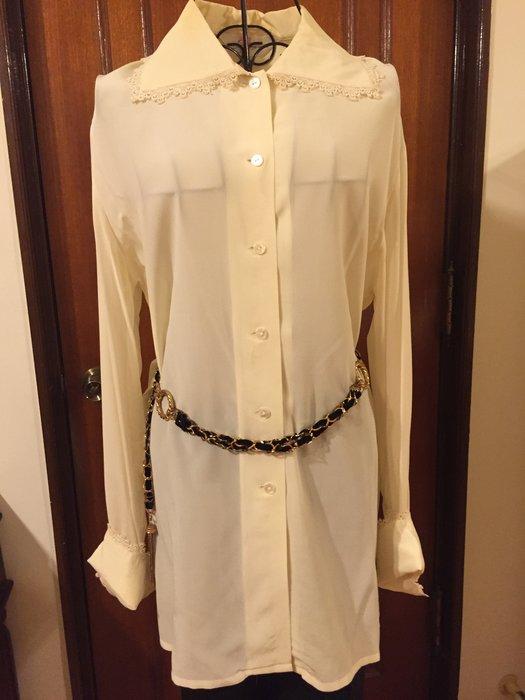 歐美氣質優雅名媛風設計 白色蕾絲邊長袖襯衫