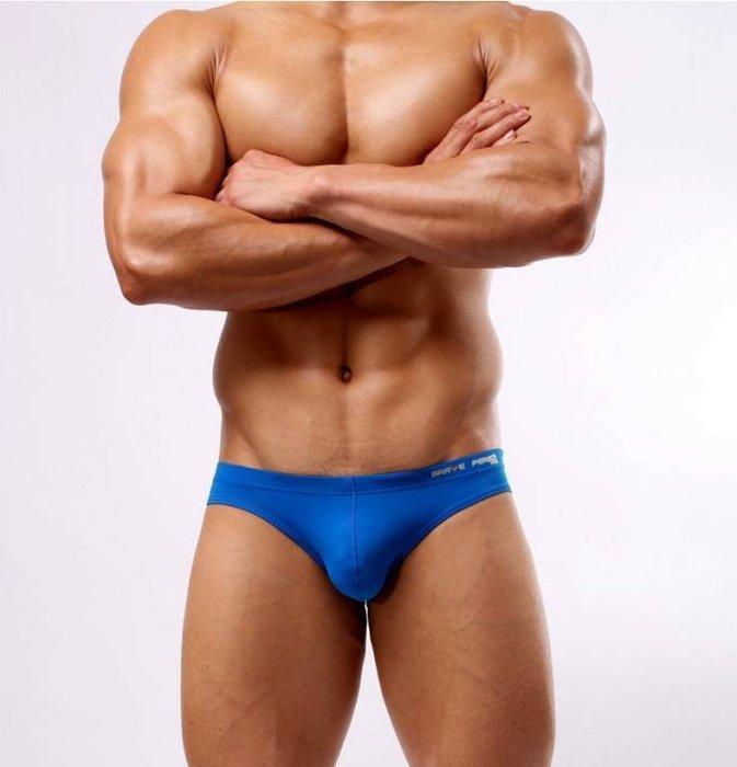 三角低腰 薄版型 泳褲材質健身褲/內褲不花俏不複雜~單純顏色 才能顯出不平凡的你共有5色~S/M/L