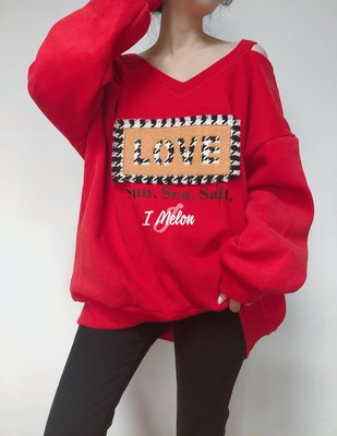 ::: i-MelOn :::100%韓國【現貨】大V領露肩肩帶LOVE毛線長袖T恤上衣※紅