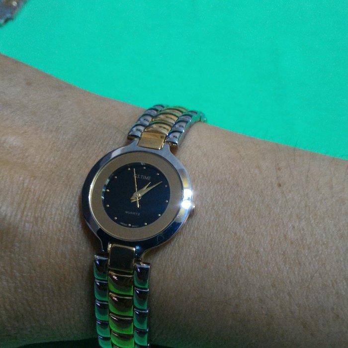 全心全益低價特賣*伊陸發鐘錶百貨商場*女性白金晼錶. 拍賣到財運好運旺旺來