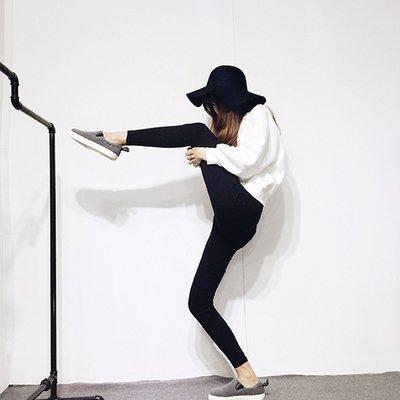 可劈腿顯瘦神褲【ZOWOO-0336】緊身褲鉛筆褲顯瘦褲窄管褲小腳褲 非正韓國連線卡娜赫拉畢業花束蕾絲書桌LV防身馬丁靴