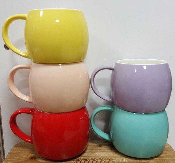 【無敵餐具】台製厚瓷拿鐵杯/咖啡杯/蛋蛋杯-5色(550cc)可堆疊 量多歡迎詢價可來電洽詢優惠價喔【A0270】