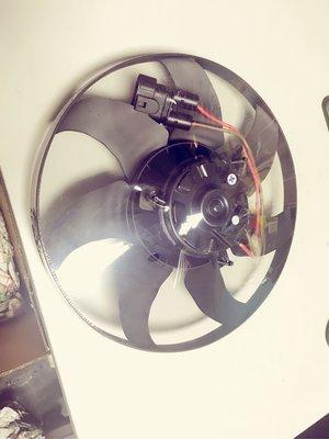 T4-2.5/VR6-2.8 原廠品牌水箱風扇馬達