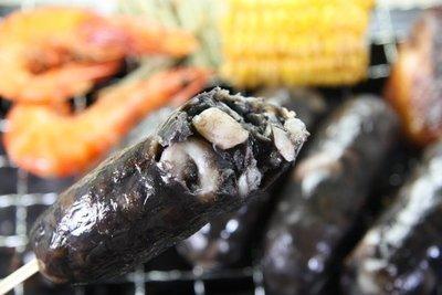 【中秋烤肉食材】來點新鮮的~澎湖墨魚香腸 / 約300g ~來自澎湖的頂級去皮新鮮花枝及其墨汁~