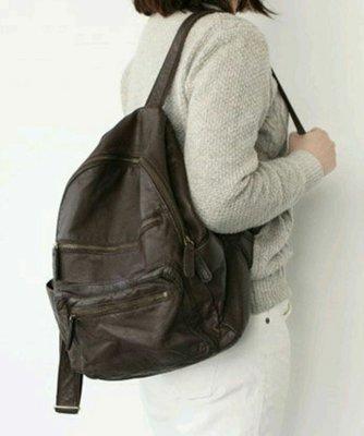 女人窩-韓國DAAD多口袋中性後背包。現貨