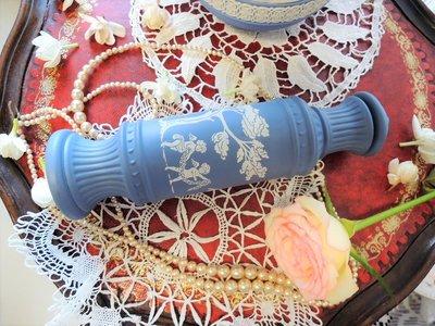 紫丁香歐陸古物雜貨♥Avon 1960年代vintage希臘神話故事人物小天使及女神藍色瓶塞式香水瓶一個之2