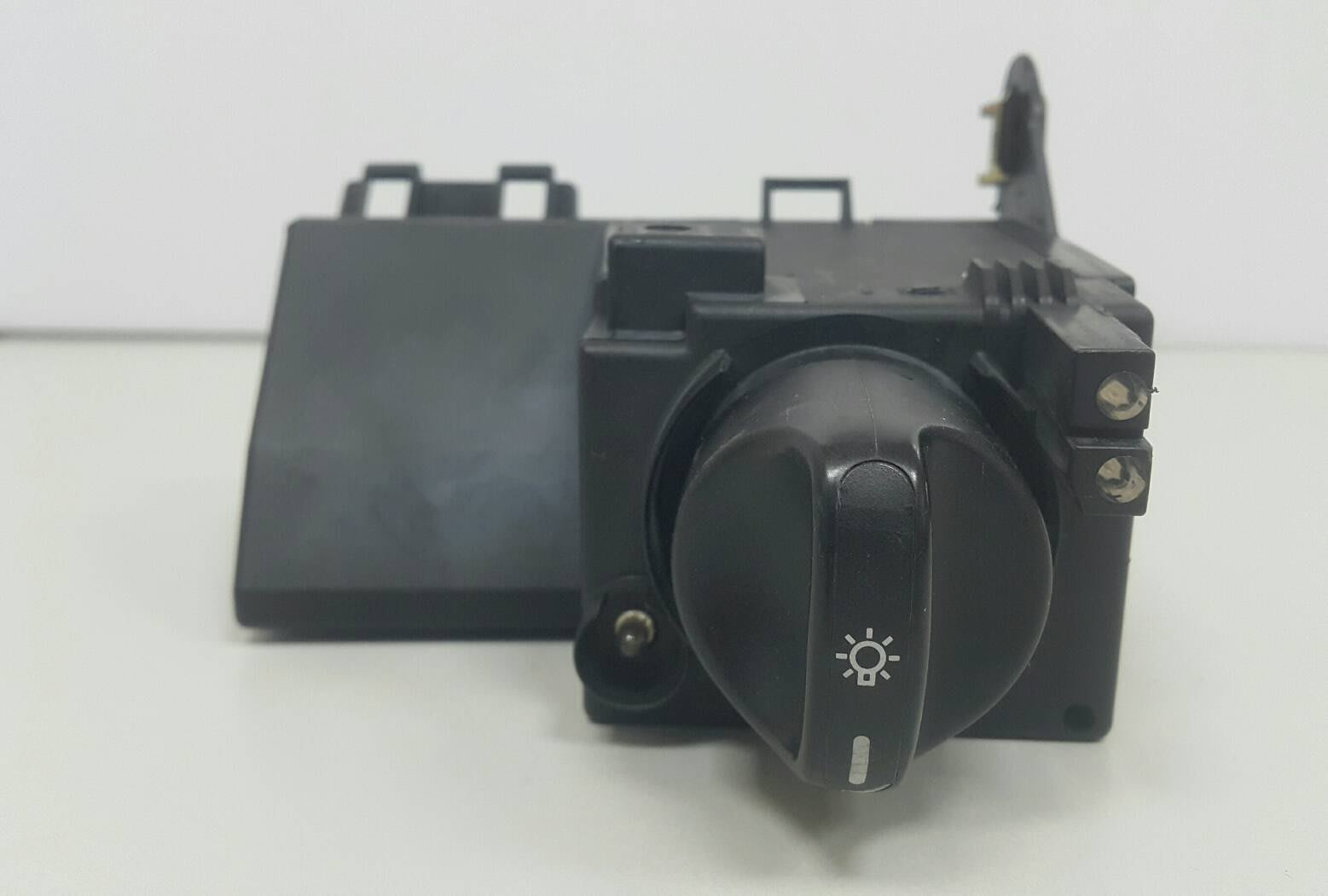 BENZ W210 1996-2002 大燈開關 電腦 控制器 (USA 美規) 日本外匯拆車品 2105450304