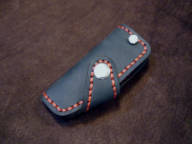 KH手工皮革工作室MIT純手作全牛皮YAMAHA山葉重機鑰匙皮套鑰匙包皮革縫線顏色可自選可燙字所有廠牌鑰匙都可量身訂製