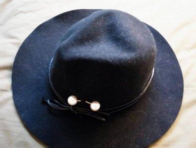 仕女風巴拿馬側邊泡泡珍珠皮繩編織寬檐黑色毛呢爵士帽✿全新✿