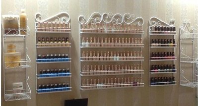 【優上精品】美甲店化妝品展示架 鐵藝指甲油架 精品展示櫃 壁掛指甲油架 5層中架賣場