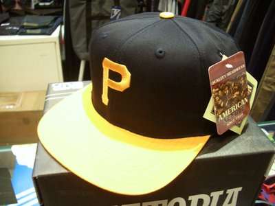 { POISON } MLB正規品 PITTSBURGH PIRATES Snapback Hat 海盜經典 後扣棒球帽
