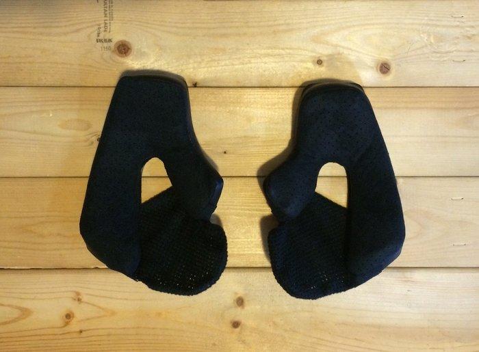 (I LOVE樂多)BELL Bullitt皮面透氣孔麂皮絨內襯(黑)樂高帽安全帽專用更加方便替換清洗