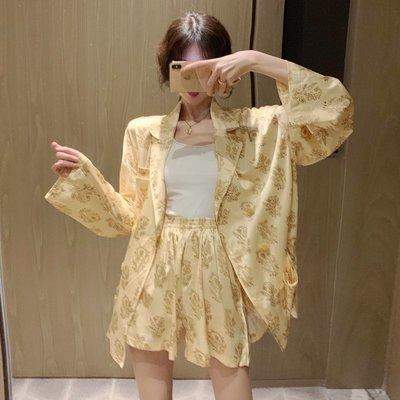港風薄款寬松長袖襯衫上衣女春季新款復古印花翻領襯衣開衫潮