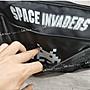 IN House*🇹🇼現貨 過季 日本 太空 遊戲  斜揹包 肩背包 單肩包 側背包 郵差包 休閒 運動包