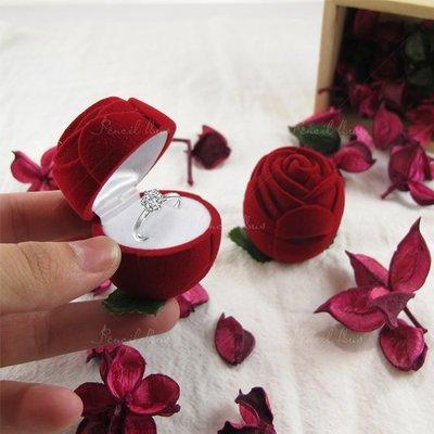 【鉛筆巴士】現貨!! 單玫瑰花(1個)-紅色 創意戒指盒 創意求婚 結婚 鑽戒盒 首飾盒珠寶盒拍照小物k1701020