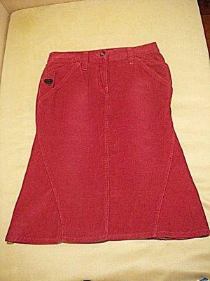 大降價!全新從未穿過的 Moschino Jeans 紅色絨布魚尾裙,低價起標無底價!本商品免運費!