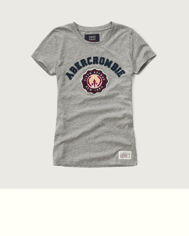 Maple麋鹿小舖 Abercrombie&Fitch * AF 灰色貼布電繡徽章短T *( 現貨XS/S號 )
