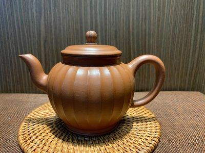 ~壺風茶道~459《宜興紫砂 菊瓣壺》~古董、茶壺、普洱茶、紫砂壺、家用茶具禮品、中國宜興紫砂