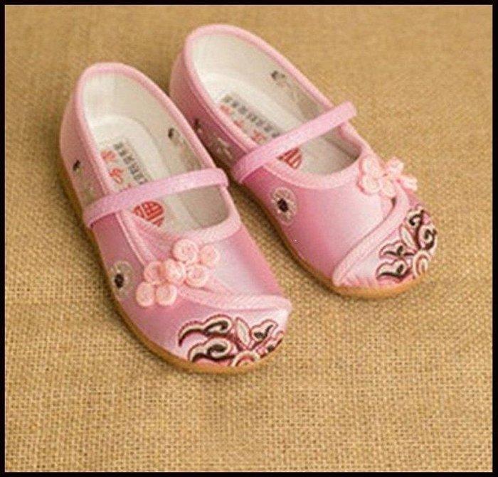哆啦本鋪 古裝格格鞋子老北京兒童布鞋夏女童繡花鞋公主鞋學生古裝表演出鞋D655