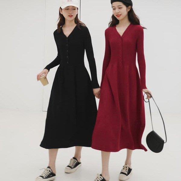 洋裝 法式設計款視覺激瘦V領A字彈力針織連身裙 艾爾莎【TAE8211】