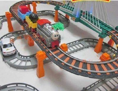 立昕大型托馬斯火車軌道玩具電動軌道車 超長小火車軌道 兒童軌道