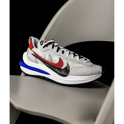 "全新正品  Sacai x Nike VaporWaffle ""Royal Fuchsia""灰白 CV1363-100"
