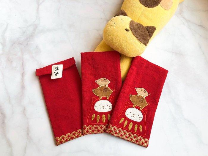 日本卡拉貓~大吉到!達摩貓咪直式紅包袋