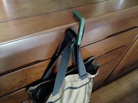 日本StreamTrail防水包系列小物~CLIFF HANGER 桌邊掛勾~包包必備.方便吊掛包包