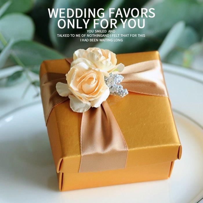 衣萊時尚-熱賣款  喜糖盒子紙盒 結婚婚禮歐式創意糖果盒金色糖盒A018