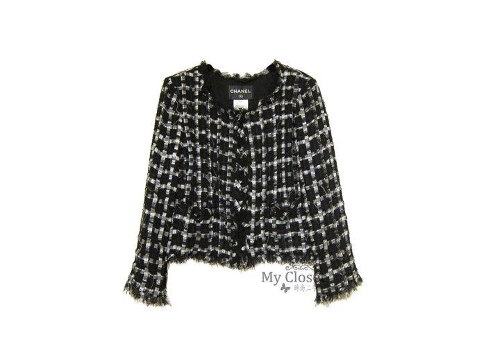 My Closet 二手名牌 Chanel 2011經典黑白色系雙口袋珠寶釦軟呢外套