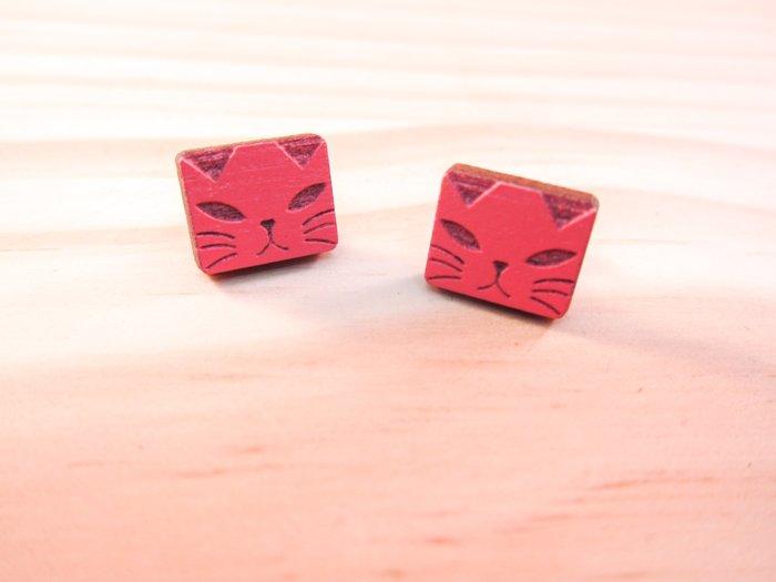 LeGroove 原創檜木紅色貓咪耳環 醫療級耳針不過敏 獨一無二文青風設計 質感包裝送禮大方 快速出貨滿千送口罩現貨