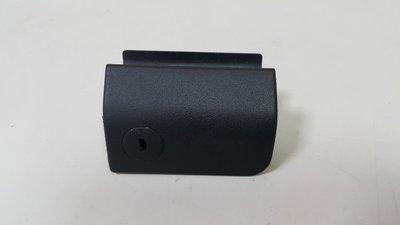 BENZ W202 1996-2000 手套箱外把手 (有安全氣囊用) 2026801384