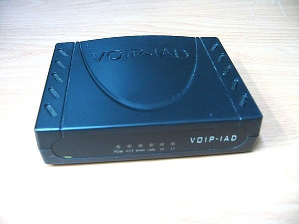 ☆寶藏點☆VOIP-IAD 多功能語音/傳真 網路電話閘道器 功能正常 歡迎貨到付款jj52