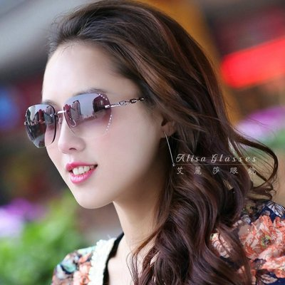 【艾麗莎】女士太陽眼鏡 抗UV400無框大鏡面漸層墨鏡2019修臉神器新款復古經典鑲鑽切邊外型 明星時尚風格10401