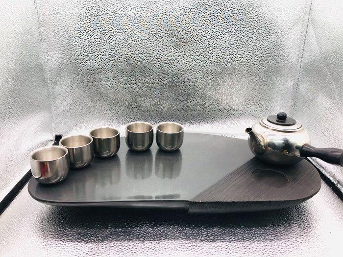 多層次石心茶盤。渾然天成。