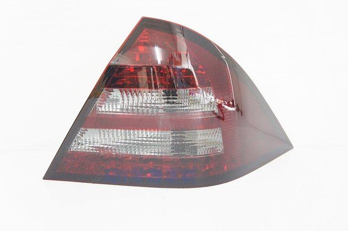 ~~ADT.車燈.車材~~賓士 C-CLASS W203 00 01 02 03 LED 紅黑晶鑽尾燈一組