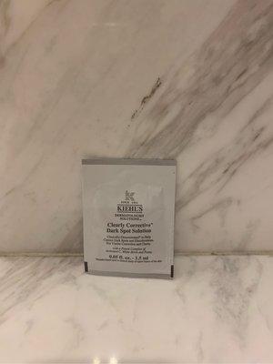 [雅雅的店]KIEHL\'\'\'\'S 契爾氏 激光極淨白淡斑精華 1.5ml~保存期2022年    *直購價39元*