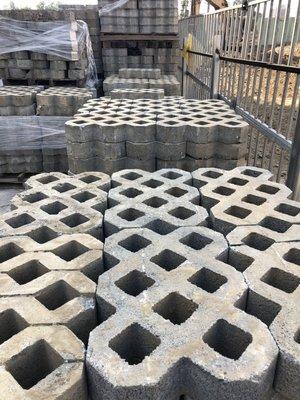 【森紅園藝】植草磚(60*40*11cm)九成新含運.買400塊磚~送40塊磚 百歲磚/連鎖磚/水泥塑膠花盆