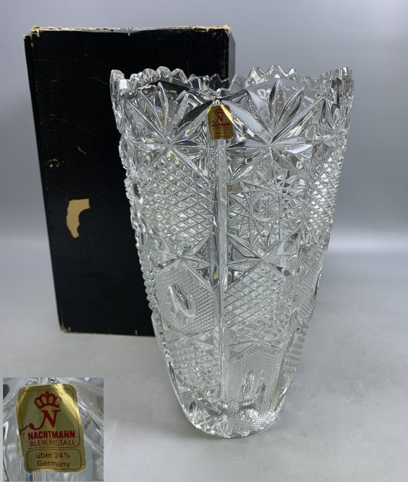 【藏舊尋寶屋】2101151123206F德國品牌 NACHTMANN 雕紋 水晶大花瓶 共一入 附紙盒(1元起標)