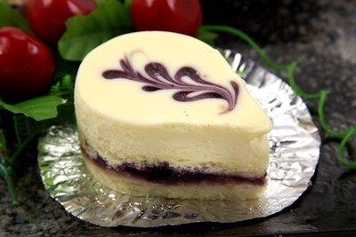 【下午茶系列】藍莓乳酪蛋糕(10入)/約650g±5%~滑順香濃的乳酪配上酸甜解膩的藍莓口感更順口~冰涼的吃像綿密冰淇淋