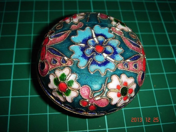 早期胭脂盒~ 景泰籃胭脂盒 [大小直徑約6.5cm高約2cm]【CS超聖文化2讚】