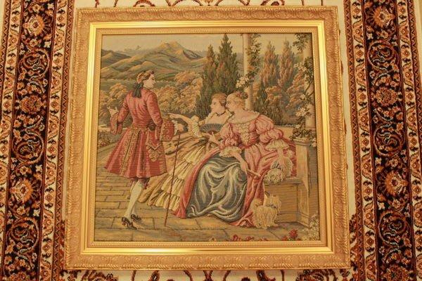 【家與收藏】特價稀有珍藏歐洲古董法國古典精緻優雅羅曼史愛情故事刺繡畫/壁飾1
