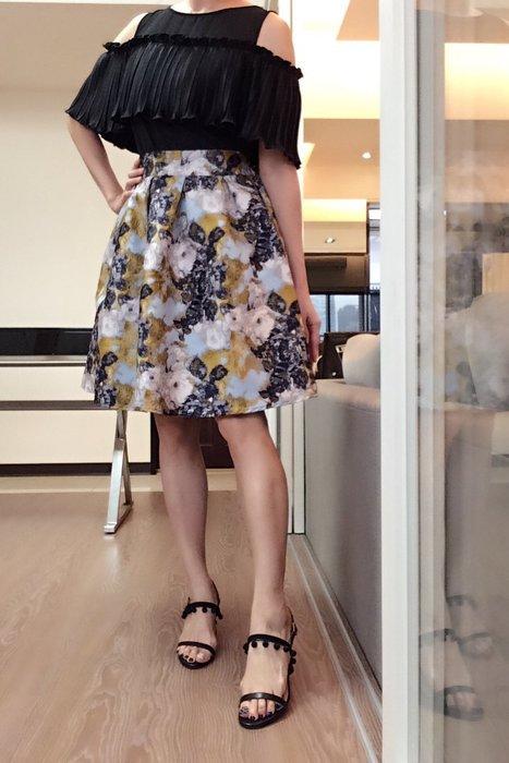 *Beauty*日CONCIERGE金色古典寬摺裙2500元PH