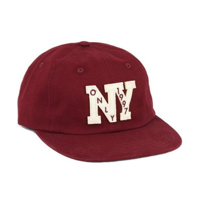 { POISON } ONLY NY OUTFIELD POLO HAT 經典NY布章字樣 皮格調節扣棒球帽 酒紅