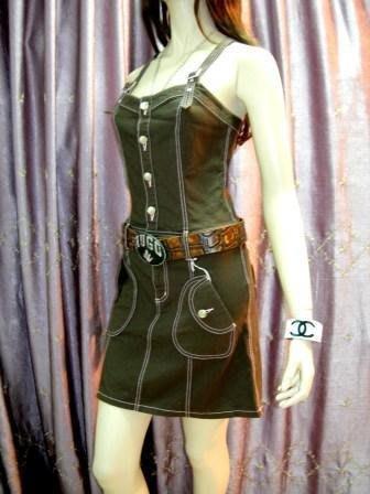 ※維多利亞衣櫃※全新真品咖啡色【Barbie】芭比風愛心口袋丹寧吊帶洋裝(原價$10580)