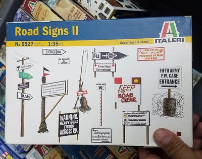 全新-Italeri-6527-WW2 -Road Signs Set -Set No 2 -1/35-M-300
